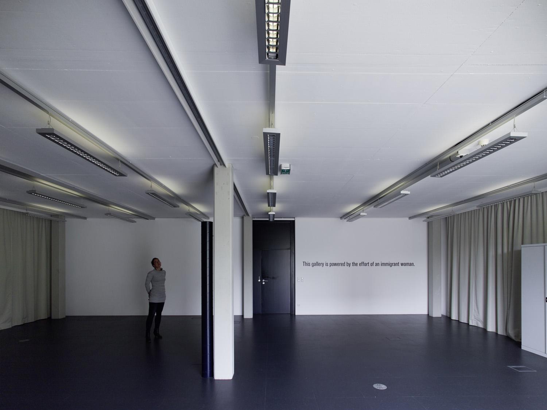 Ioana Păun, Natalia turn the light on, Kunstraum Lakeside, 2015   Photo: Johannes Puch