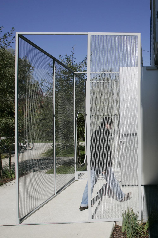 Ricardo Basbaum — la société du spectacle (& NBP), Kunstraum Lakeside, 2007 | Photo: Johannes Puch